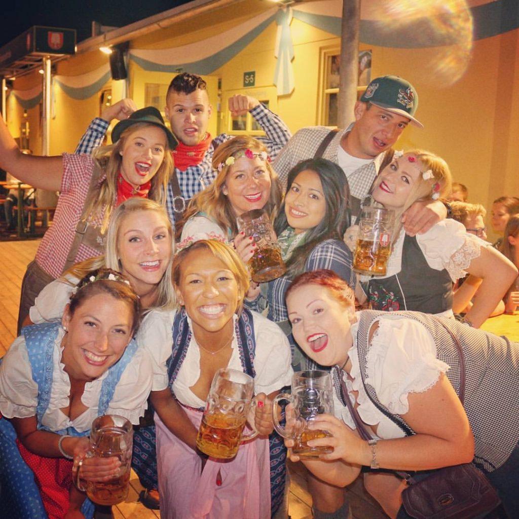drinking, alcohol, oktoberfest, quitting alcohol, why i quit drinking, why i quit alcohol, munich, germany, lederhosen, friends, dirndls, party, drunk, fun