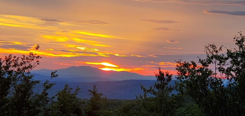 Maine, hiking in Maine, things to do in Maine, Maine travel, summer in Maine, trip to Maine, best hikes in Maine, best hikes in Southern Maine, Sunset, hiking, hiking new england,