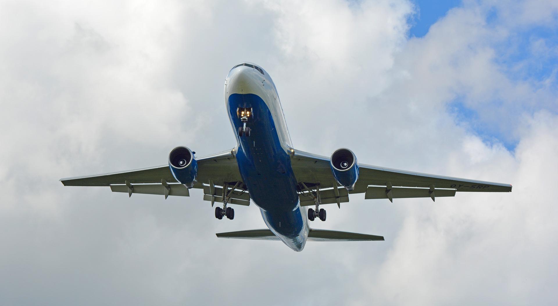 plane, air traffic, summer travel, summer travel is the worst, why flight attendants hate summer travel